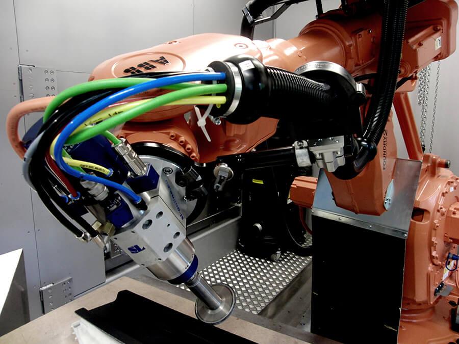 Verfahrensdemonstration mit Industrieroboter - Quellen: Institut für Produktionsmanagement und -technik (IPMT) der TU Hamburg (TUHH)