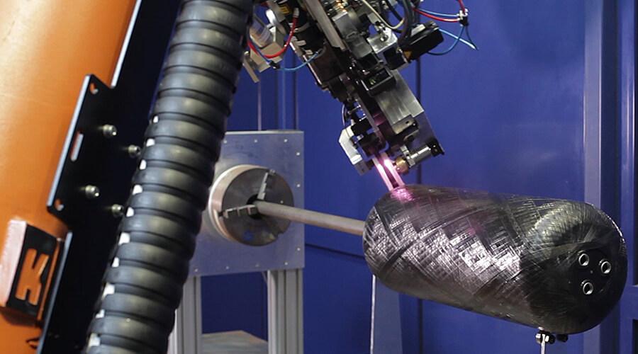 Herstellung eines FVK-Druckbehälters im laserunterstützten Tapewickelprozess - Quelle: Fraunhofer IPT