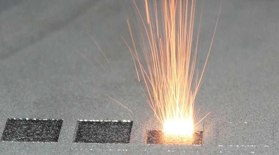 """Das additive Verfahren """"Laserstrahlschmelzen"""