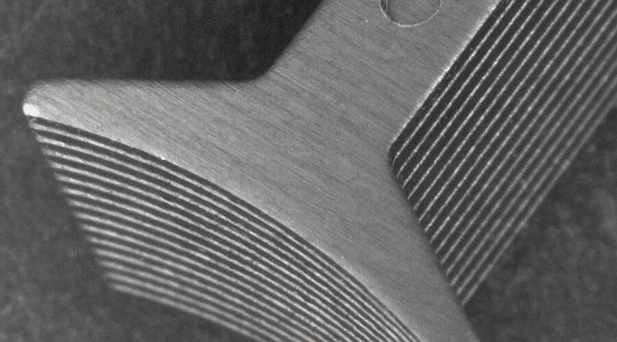 Ausschnitt eines Statorzahns aus Elektroblech für elektrische Maschinen [utg]