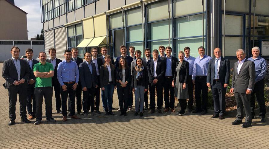 Die Mitglieder aus dem Cluster II beim 2. SynErgie-Clustertreffen am IWF in Braunschweig