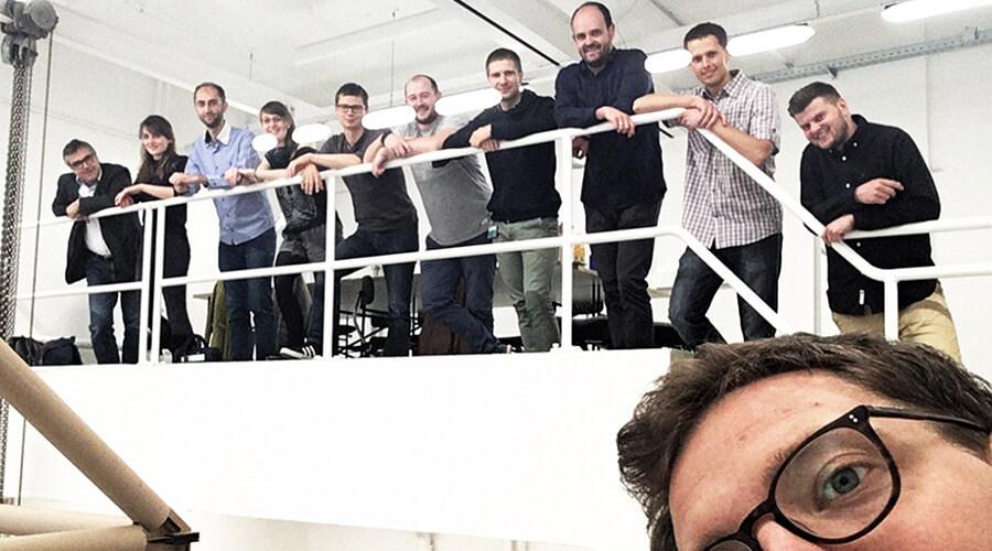 Teile der wissenschaftlichen Mitarbeiter/-innen im Projekt Bauen mit Papier | Quelle:PtU Darmstadt